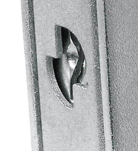La corazza permette di inserire una piastrina anti trapano a protezione della serratura