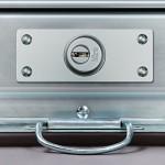 Le serrature per serranda: prima barriera per la sicurezza di negozi, magazzini e garage