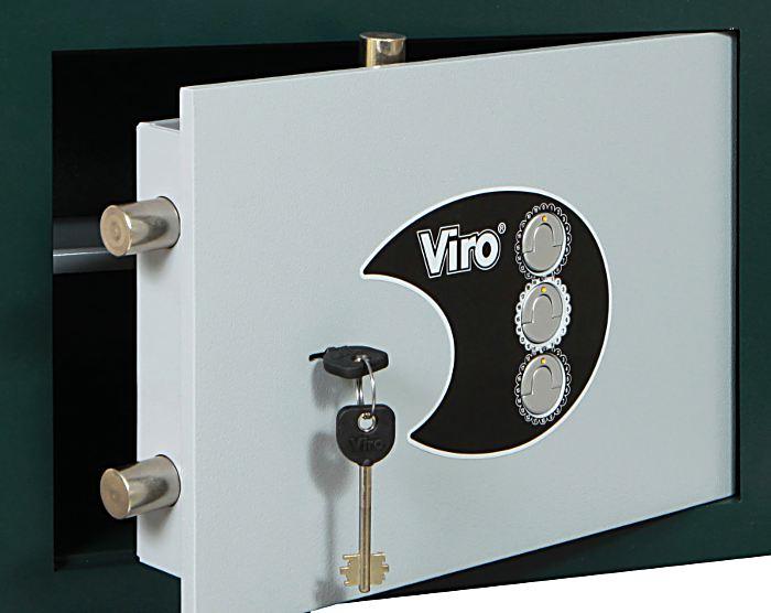 Anche le serrature con combinazione meccanica non hanno il problema della chiave, ma rispetto a quelle elettroniche dispongono di un numero molto più limitato di combinazioni