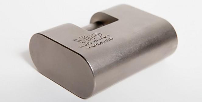 Il lucchetto monoblocco in acciaio speciale club viro for Club sicurezza viro