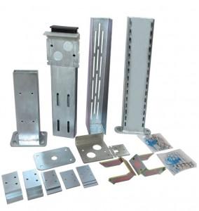 È disponibile un kit che consente di montare la serratura Viro V09 in posizioni diverse da quella standard sul pilone antiribaltamento del cancello scorrevole.