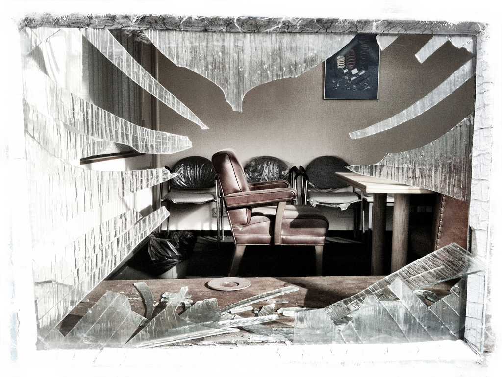 Il terzo metodo più utilizzato dai ladri per entrare nelle case è rompere una finestra.