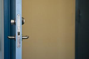 Il metodo più utilizzato dai ladri per entrare nelle case è passare da un'apertura trovata aperta!