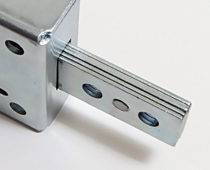 I catenacci delle serrature corazzata 8210 sono spessi ben 7mm!