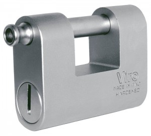 Il Viro Monolit, un bell' esempio di lucchetto monoblocco in acciaio.