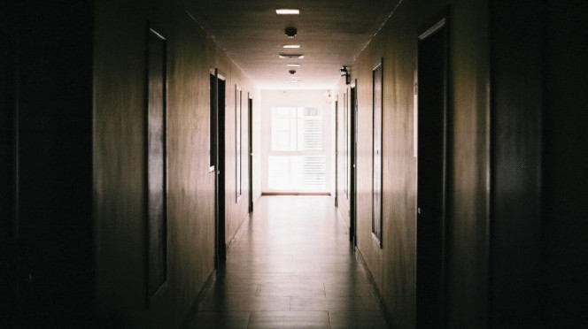 i sistemi a chiave maestra e a chiave maestra generale per alberghi, ospedali e comunità