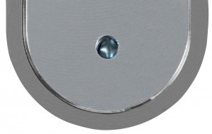 A lucchetto chiuso il foro è invece ostruito da una spina in acciaio cementato antitrapano.
