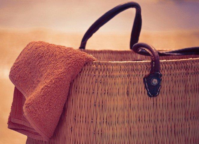 beach-bag-and-towel-664x481