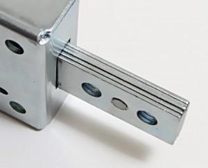 Los cerrojos de las cerraduras acorazadas 8210 son de 7 mm de espesor para contrarrestar eficazmente los intentos de forzarlas.