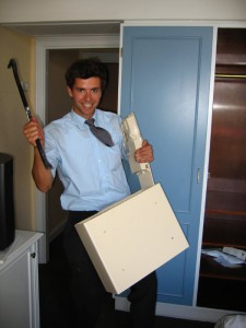Las cajas fuertes para hotel se fabrican teniendo en cuenta limitaciones funcionales específicas, por esto son menos robustas que las de uso doméstico o profesional (Fotografía deFlickr/fionab ).