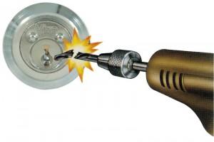 Cilindro exterior acorazado para cerraduras de sobreponer.
