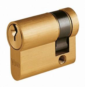 Cuando deba utilizarse la llave por un solo lado se puede utilizar un medio cilindro.