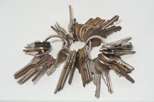 Si nuestra casa tiene diferentes accesos, el número de llaves crece rápidamente (Fotografía de Pennuja).