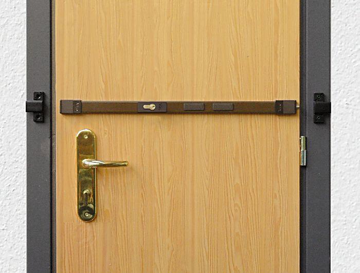 Instalar una tranca de seguridad en la puerta para for Club sicurezza viro