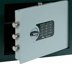 La cerradura con combinación electrónica combina la comodidad de no tener que esconder la llave con la seguridad dada por el altísimo número de combinaciones posibles.