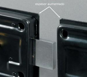 Las cerraduras de puerta tipo cerrojo Viro están realizadas con chapa de espesor aumentado.