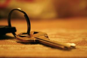 Un sistema de llave igual reduce un gran manojo de llaves a una única llave (Fotografía de Jillian Anne Photography.