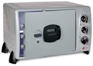 Para que una caja de seguridad sea fiable debe utilizar una electrónica específicamente diseñada y fabricada, y no reutilizar tarjetas electrónicas genéricas, como las de los electrodomésticos o los juguetes.
