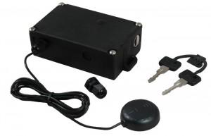 El antirrobo Viro MAS, con antena GPS y llaves.