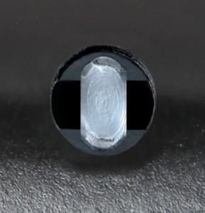 El especial sistema de cierre de Viro Shark, que vincula el vástago al cuerpo cuando el antirrobo de disco se cierra, aumenta la resistencia a los intentos de descerrajamiento.