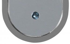 Con el candado cerrado el orificio está obstruido por una clavija de acero cementado a prueba de taladro
